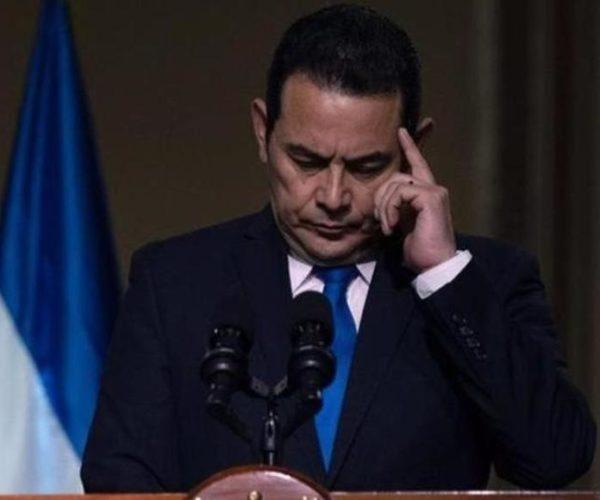 Gobierno gasta más de Q191 mil en servicios de psicólogo para que analice los discursos del presidente