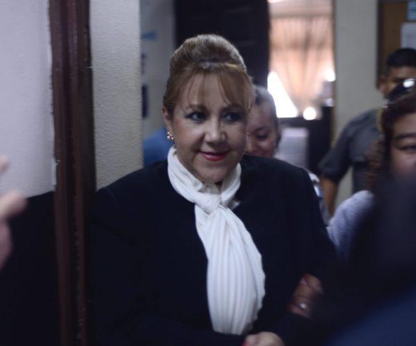 Exmagistrada Blanca Stalling culpa al exembajador Todd Robinson de la revocatoria de su visa