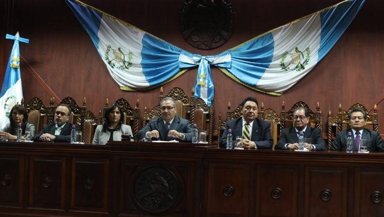 Zury Ríos y Thelma Aldana a la espera de resoluciones de la CC