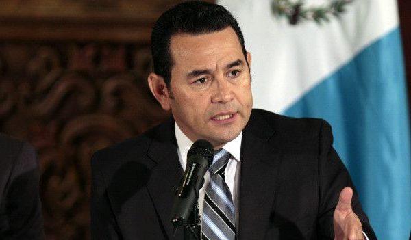 Jimmy Morales defiende candidatura inconstitucional de Zury Ríos