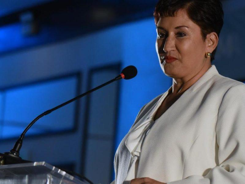 El País: Guatemala conspira contra una candidata