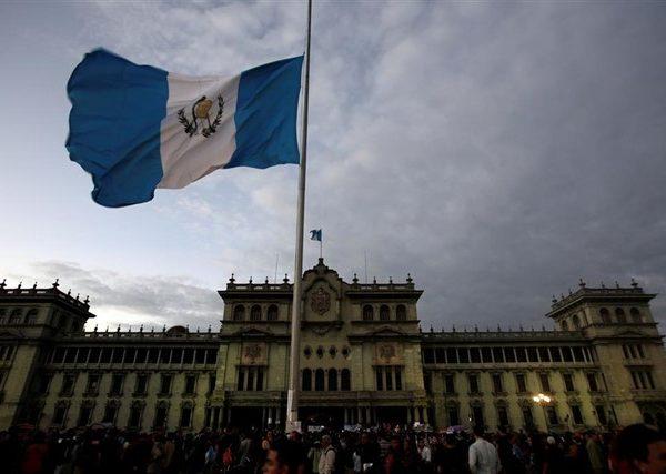 Guatemaltecos  apenas sobreviven con el 12% de su salario