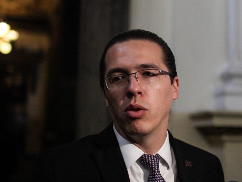 Felipe Alejos bloquea en redes sociales a ciudadanía que lo critica
