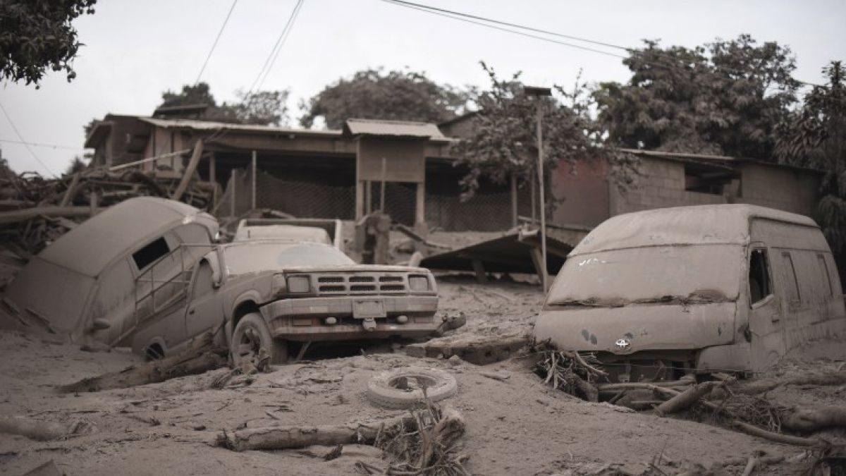 Un año después el Gobierno inicia la entrega de casas a víctimas del Volcán de Fuego