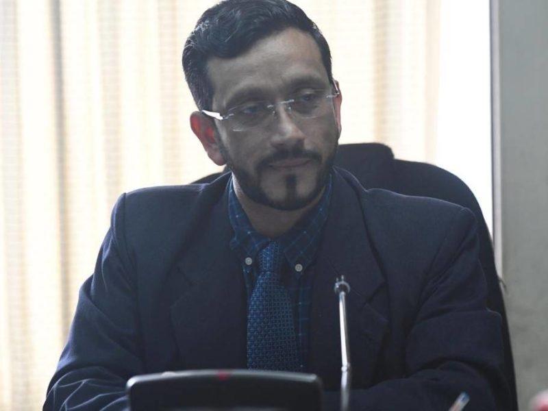 Juez que emitió orden de captura contra Aldana habría recibido $700 mil en soborno