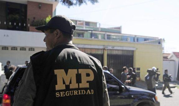 Cuatro mujeres desaparecen al día en un país «minado» por la corrupción