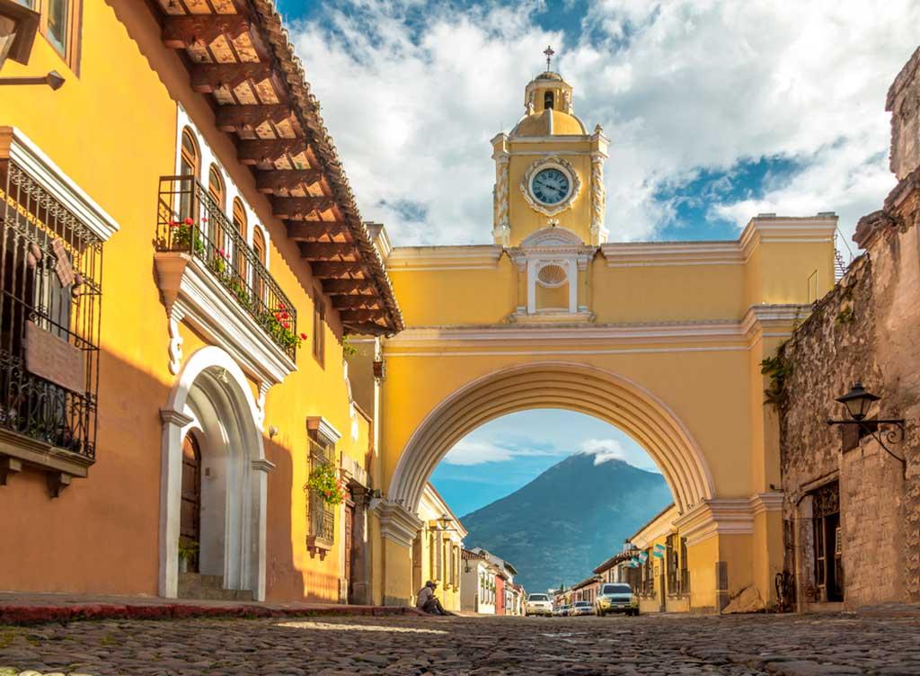 Antigua Guatemala cierra sus puestas al turista