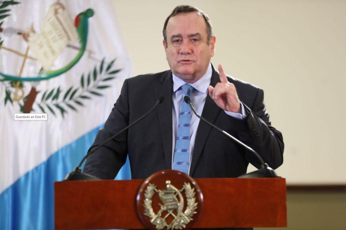 "El país volvió al encierro ""total"" por coronavirus esta tarde"