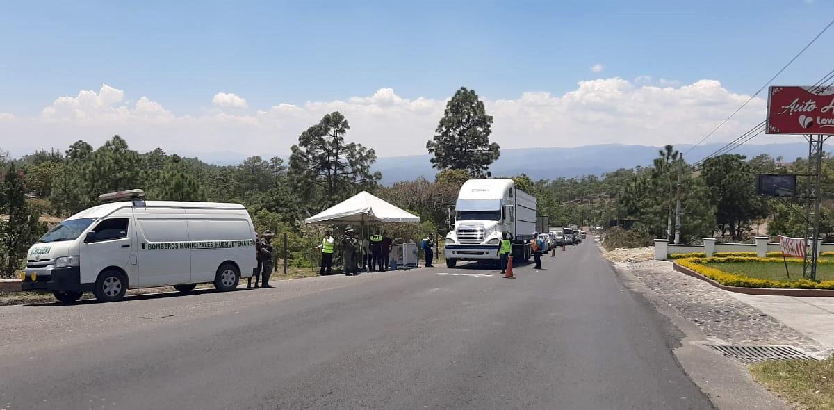 Inicia ley seca y prohibiciones de viajes departamentales en el país