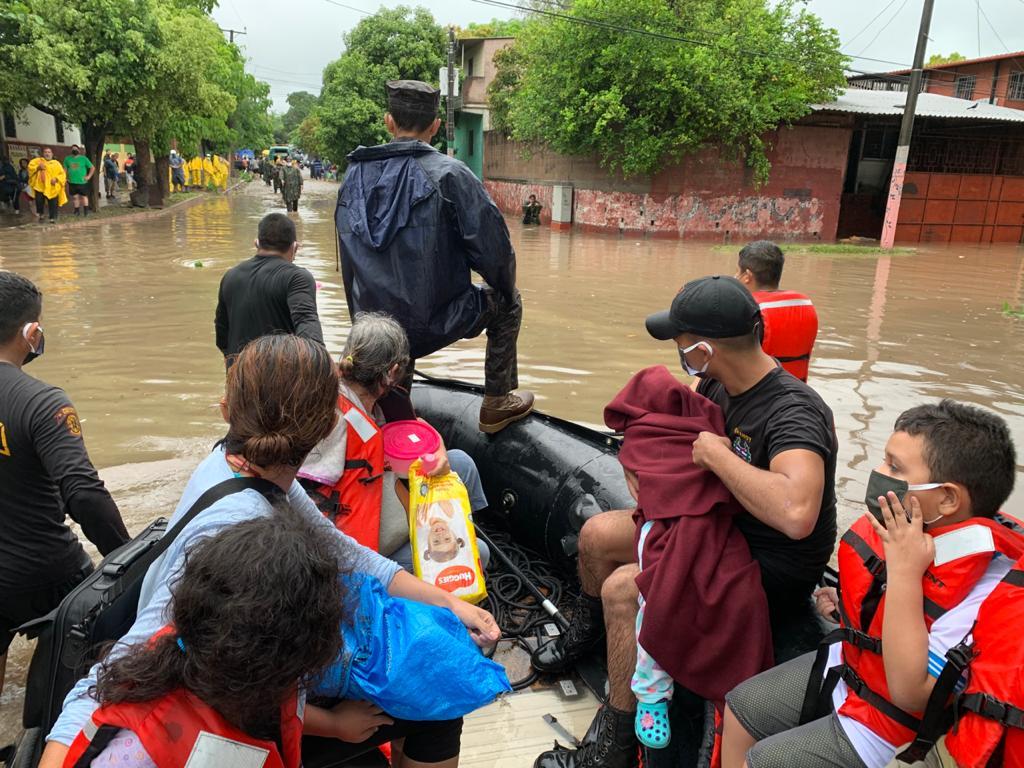 Gobierno salvadoreño declara estado de emergencia por lluvia