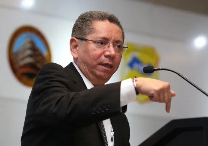 Ex Fiscal General de El Salvador podría ser acusado por actos arbitrarios en contra de Enrique Rais